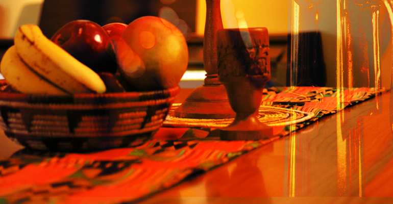 Kwanzukkah includes fruit, along with other food and drinks